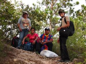El grupo COPINH - Maryeli, María, Agostin y Selvin